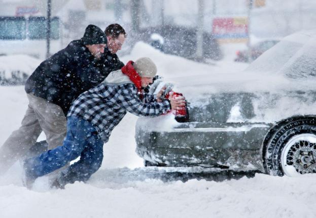 Как это работает: Как правильно заводить автомобиль зимой?
