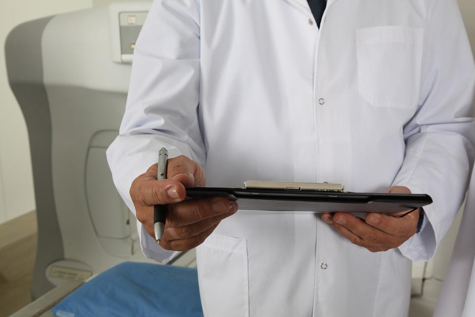 Кировским врачам будут доплачивать за раннее выявление рака