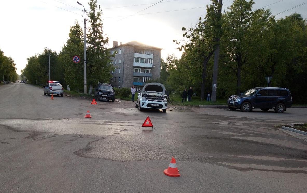 В Слободском произошло тройное ДТП: есть пострадавшие