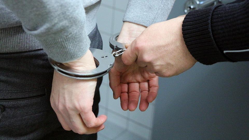 В Кирове осудили вымогателей, который довели мужчину до самоубийства