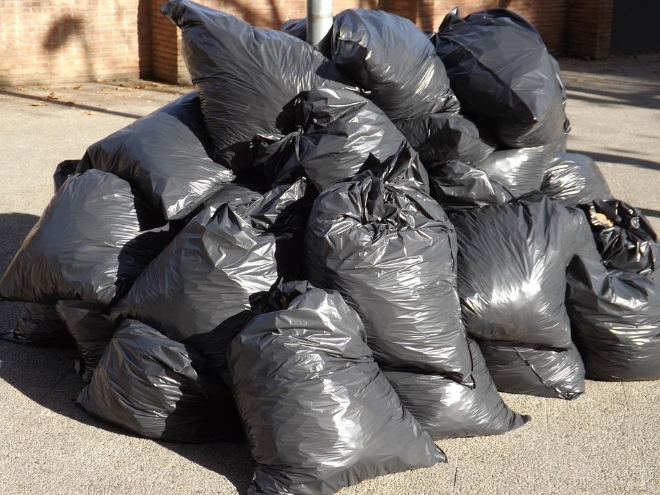 Кировские предприниматели задолжали за вывоз мусора 171 миллион
