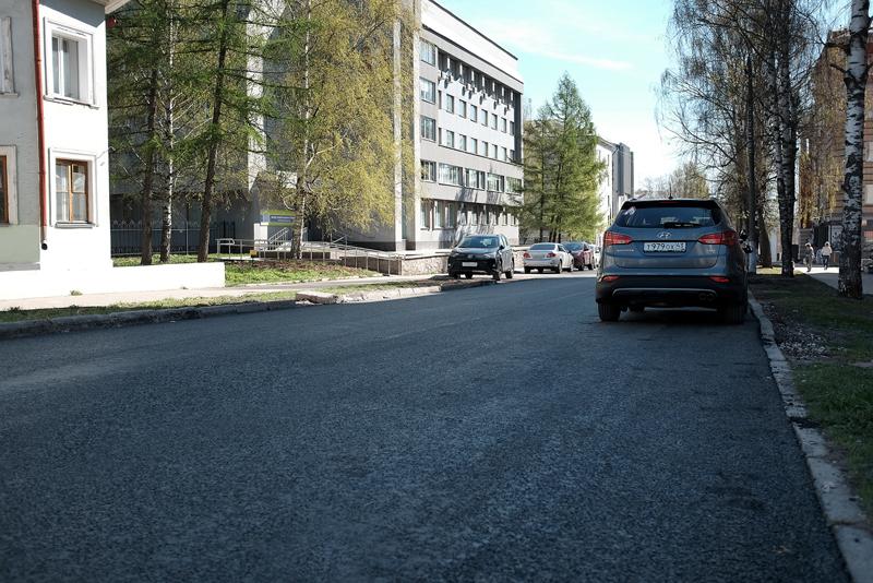 К 2024 году в Кировской области отремонтируют 700 км дорог