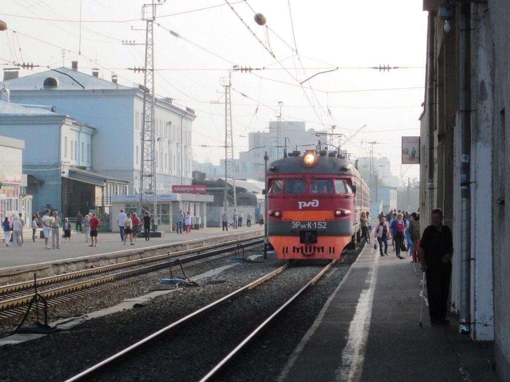 Как будут ездить поезда на мартовские праздники