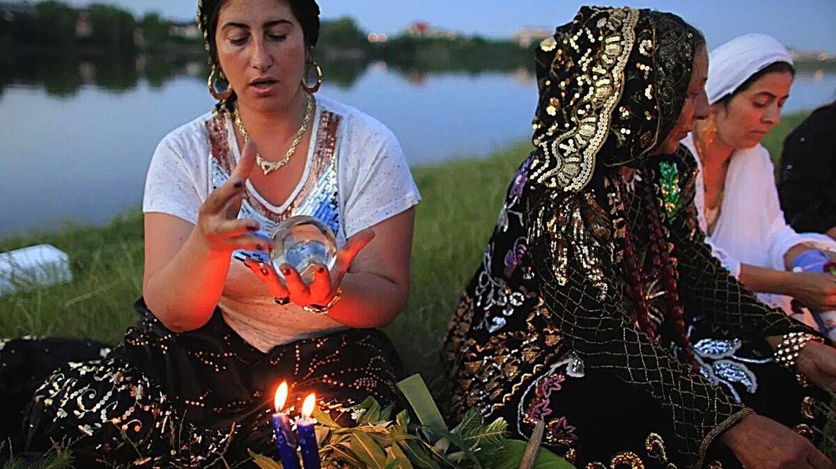 Цыганский гипноз: как ему не поддаться
