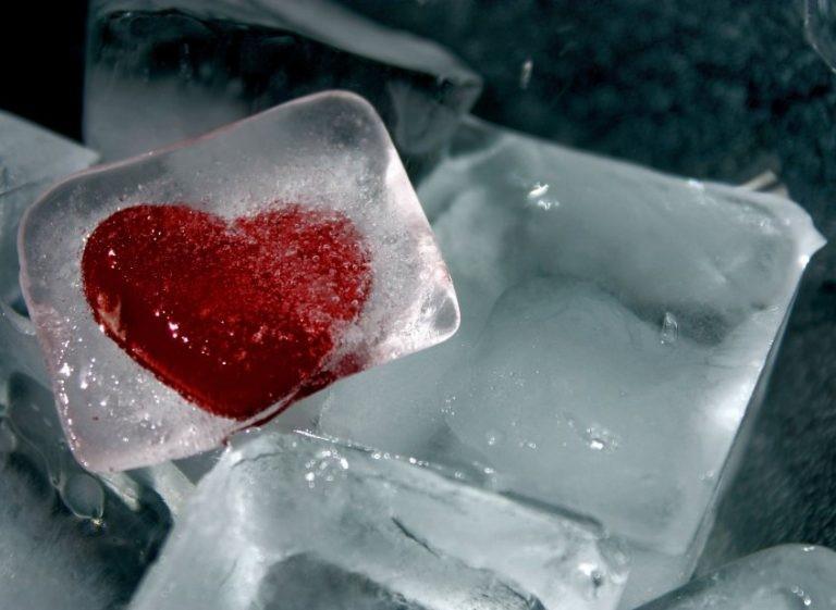 Остуда на себя: особенности проведения ритуала в домашних условиях