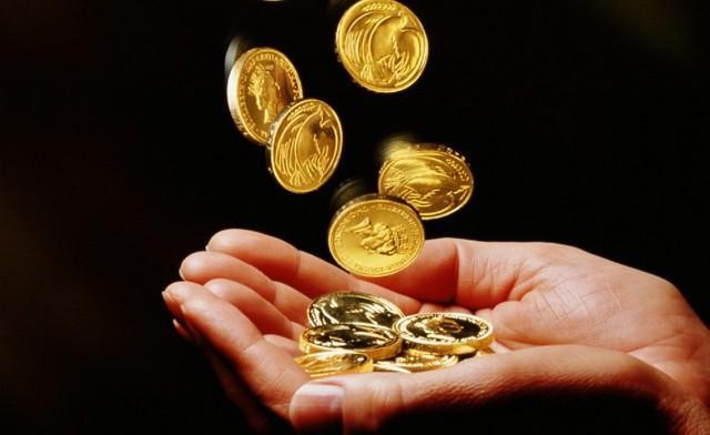 Какие бывают заговоры на богатство с помощью монет
