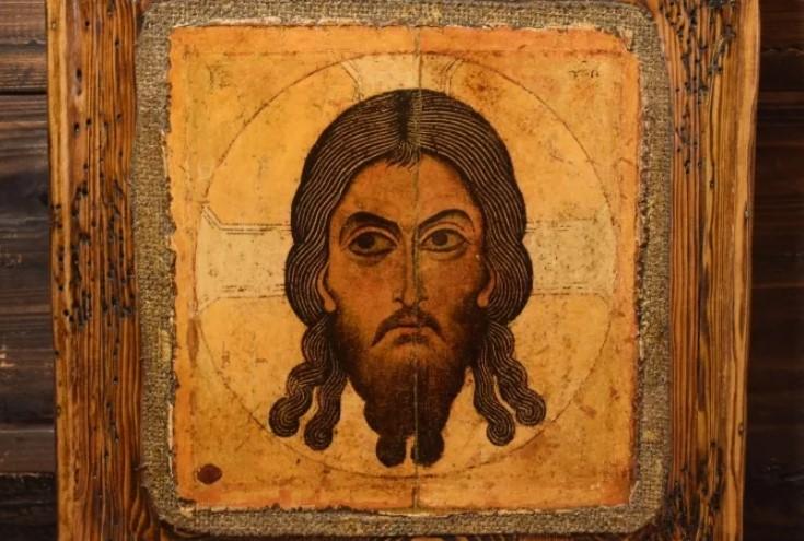 Храм в Кирове отправил одну из своих главных икон на реставрацию