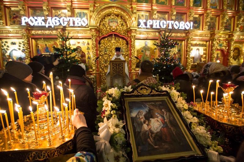 Во сколько начинаются и заканчиваются праздничные церковные службы