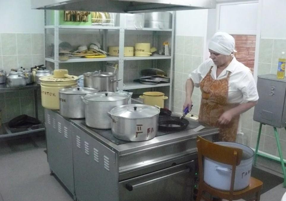 В администрации Кирова рассказали, как происходит контроль питания в детских садах