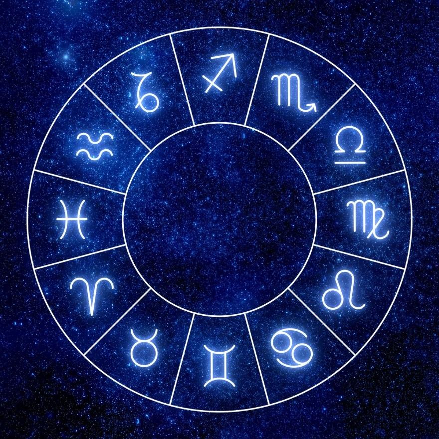 Гороскоп Павла Глобы на 2021 год: каким знакам зодиака выпадет успех